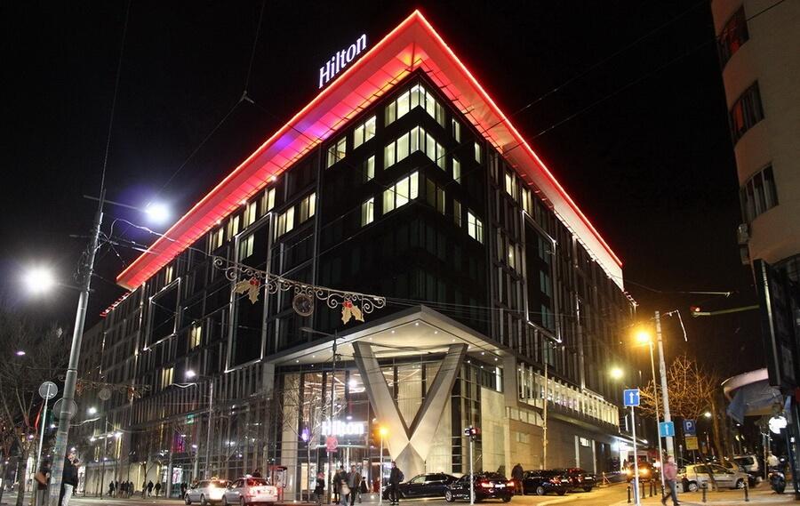 hotel hilton docek nove godine 1